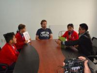 12 Unidades Educativas fueron seleccionadas para realizar entrevistas a una personalidad boliviana